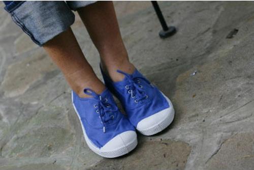синяя обувь