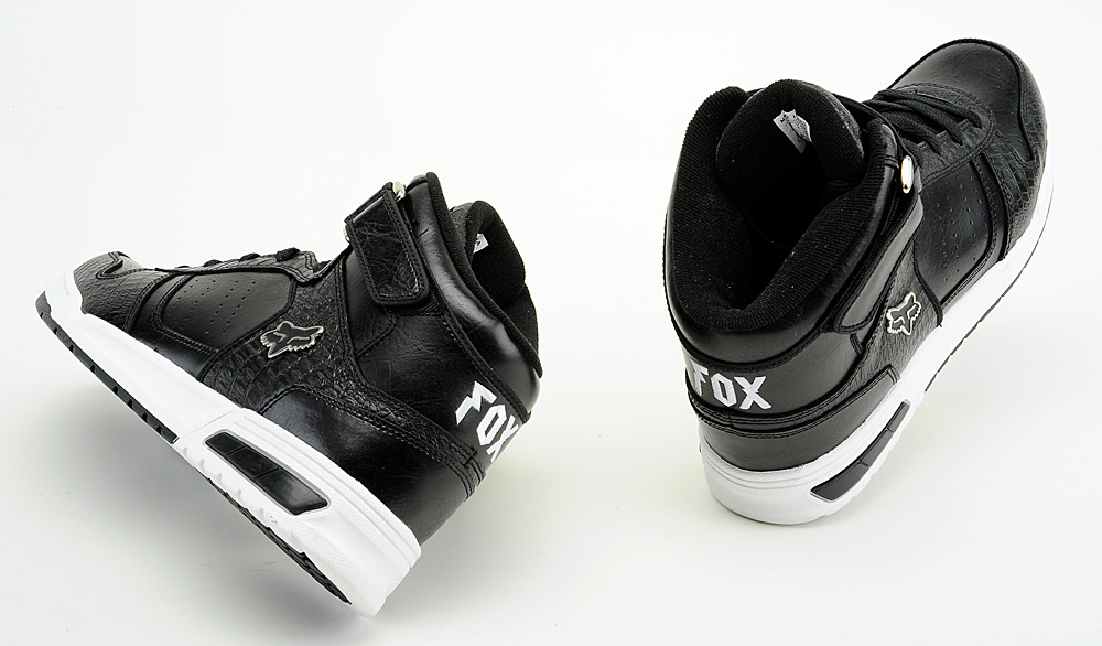 спортивне кроссовки